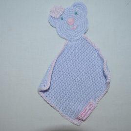 Doudou plat crochet pour bébé
