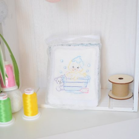 lot 10 lingettes grande dimension  pour la toilette de bébé dans son filet de lavage