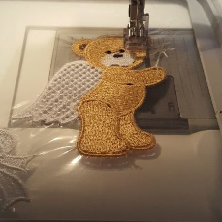 Broderie FSL en cours. Ange ours