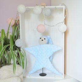 Doudou en minky en forme d'étoile