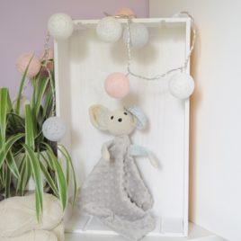 Doudou plat souris en minky taupe et crochet