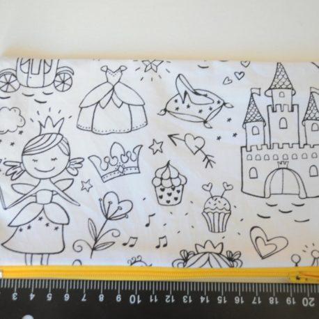 Trousse à colorier thème princesse. Tissu coton oeko-tex