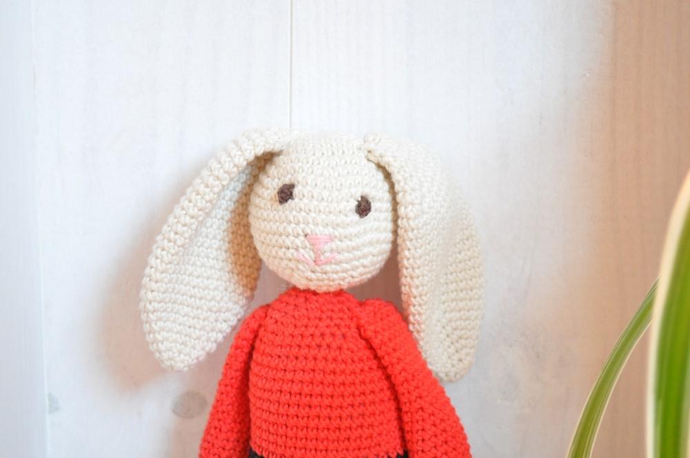 Gros câlin avec lapin géant - La Boutique de MeliMelo | 664x1000