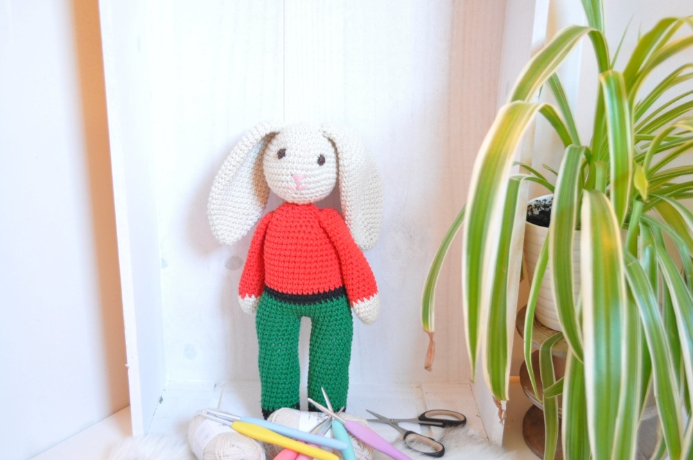 Doudou lapin étoile crocheté à la main, amigurumi de la boutique ... | 664x1000